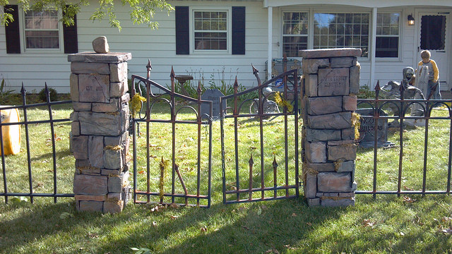 Cemetery Fence Halloween Prop  Other Show us your cemetery fences and tutorial links