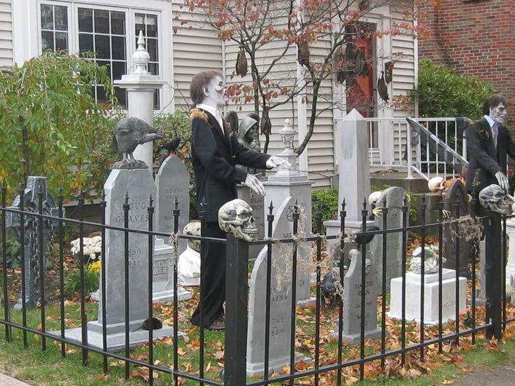 Cemetery Fence Halloween Prop  Pin by Daniel Budde on halloween