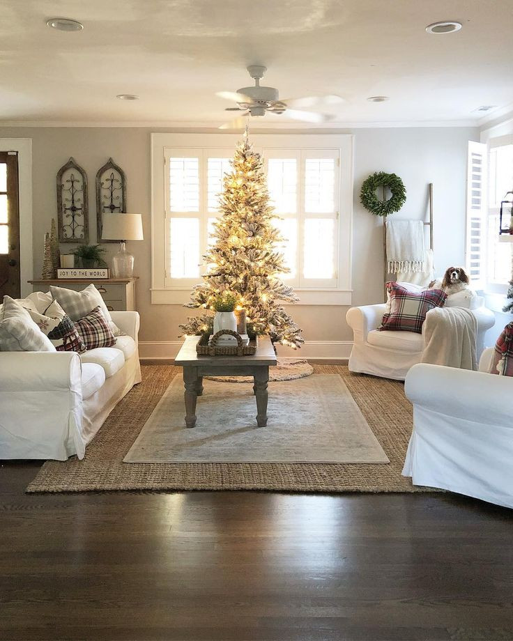 Christmas Decorations For Small Apartment  Best 25 Small living room layout ideas on Pinterest