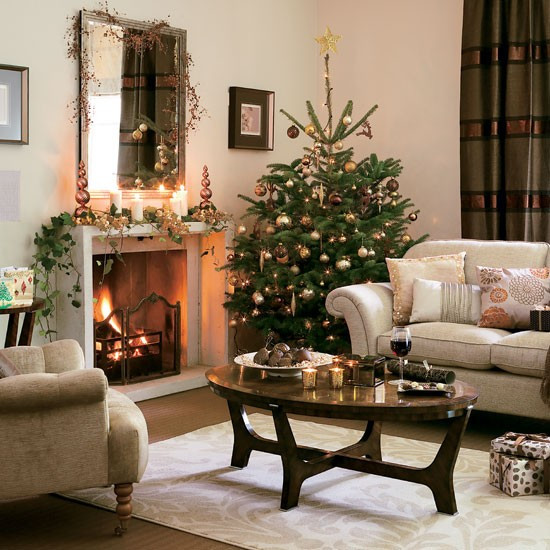 Christmas Decorations For Small Apartment  5 Inspiring Christmas Shabby Chic Living Room Decorating Ideas