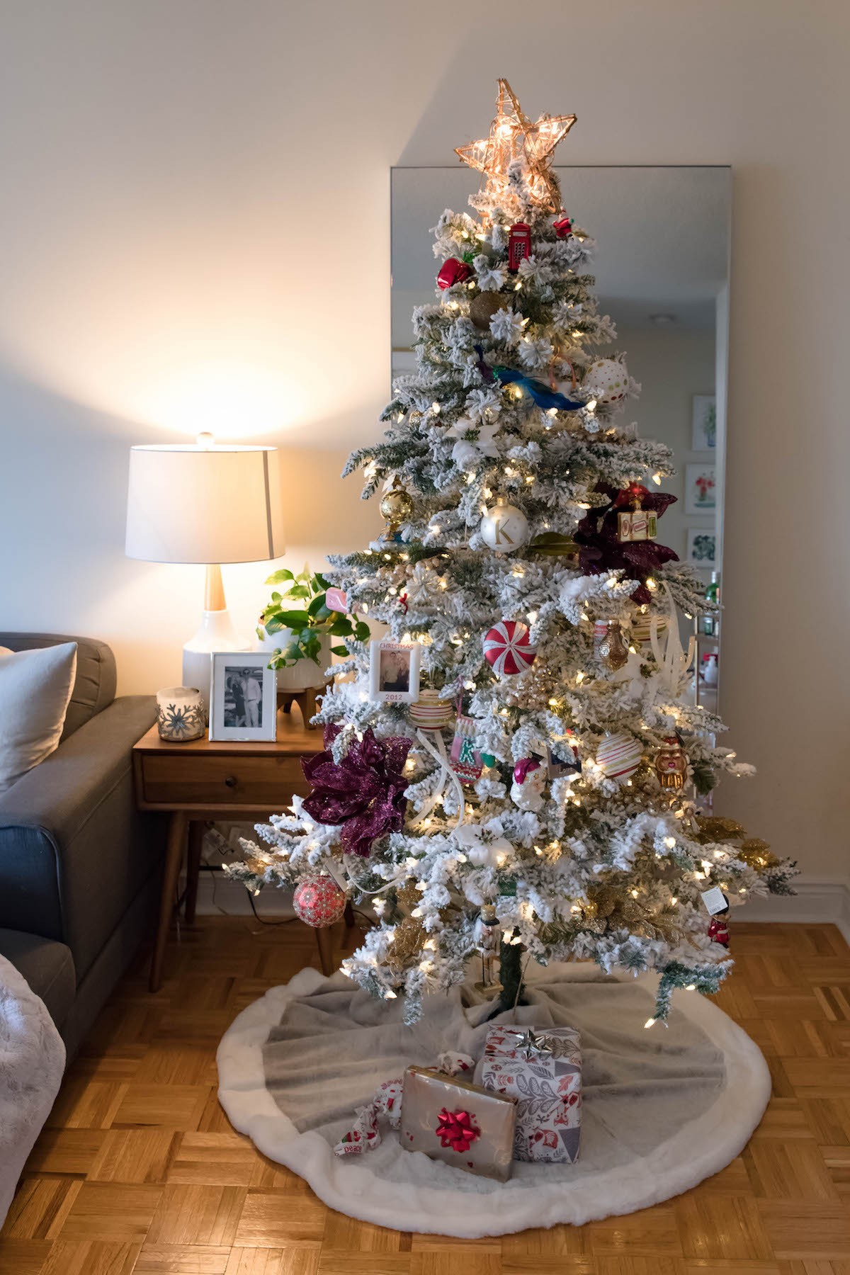 Christmas Decorations For Small Apartment  New York City Apartment Holiday Decorations