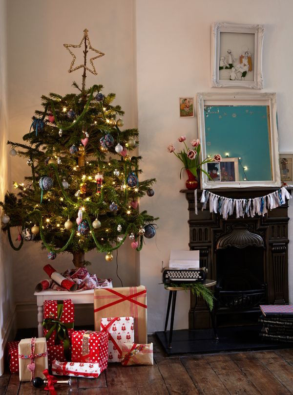 Christmas Decorations For Small Apartment  37 Inspiring Christmas Tree Ideas For Small Spaces Feed