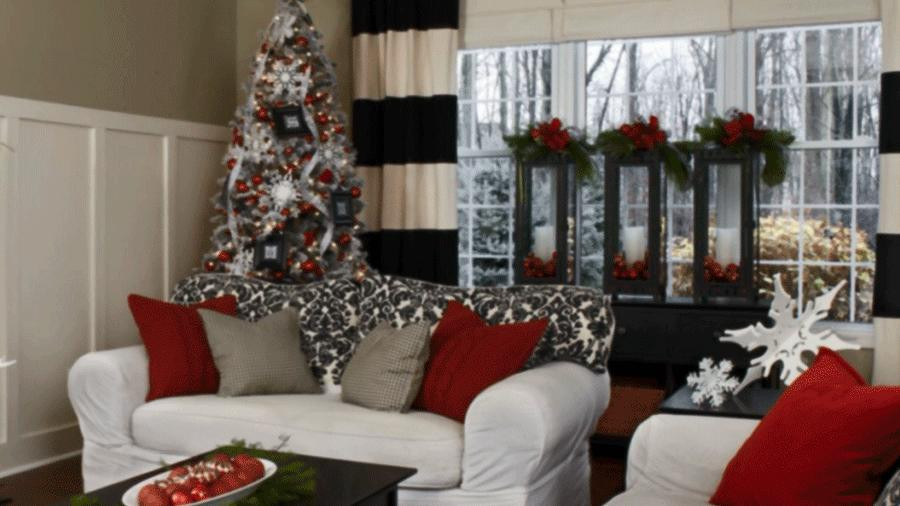 Christmas Decorations For Small Apartment  Pretty Christmas Living Rooms