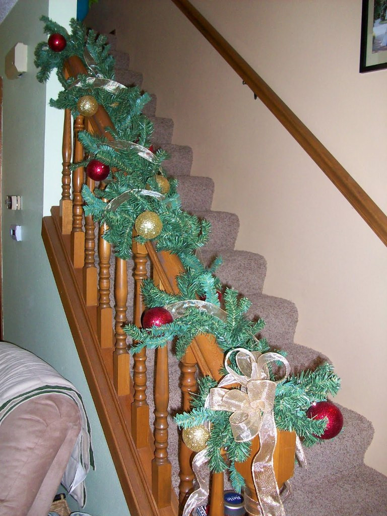 Christmas Decorations For Small Apartment  30 Outstanding Christmas Decorations For An Apartment