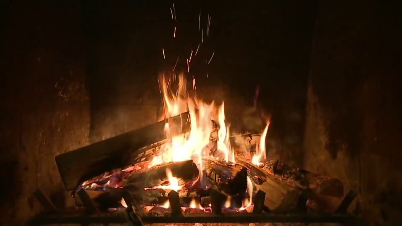 Christmas Fireplace Music  2 Hours of CLASSIC Christmas Music with Fireplace