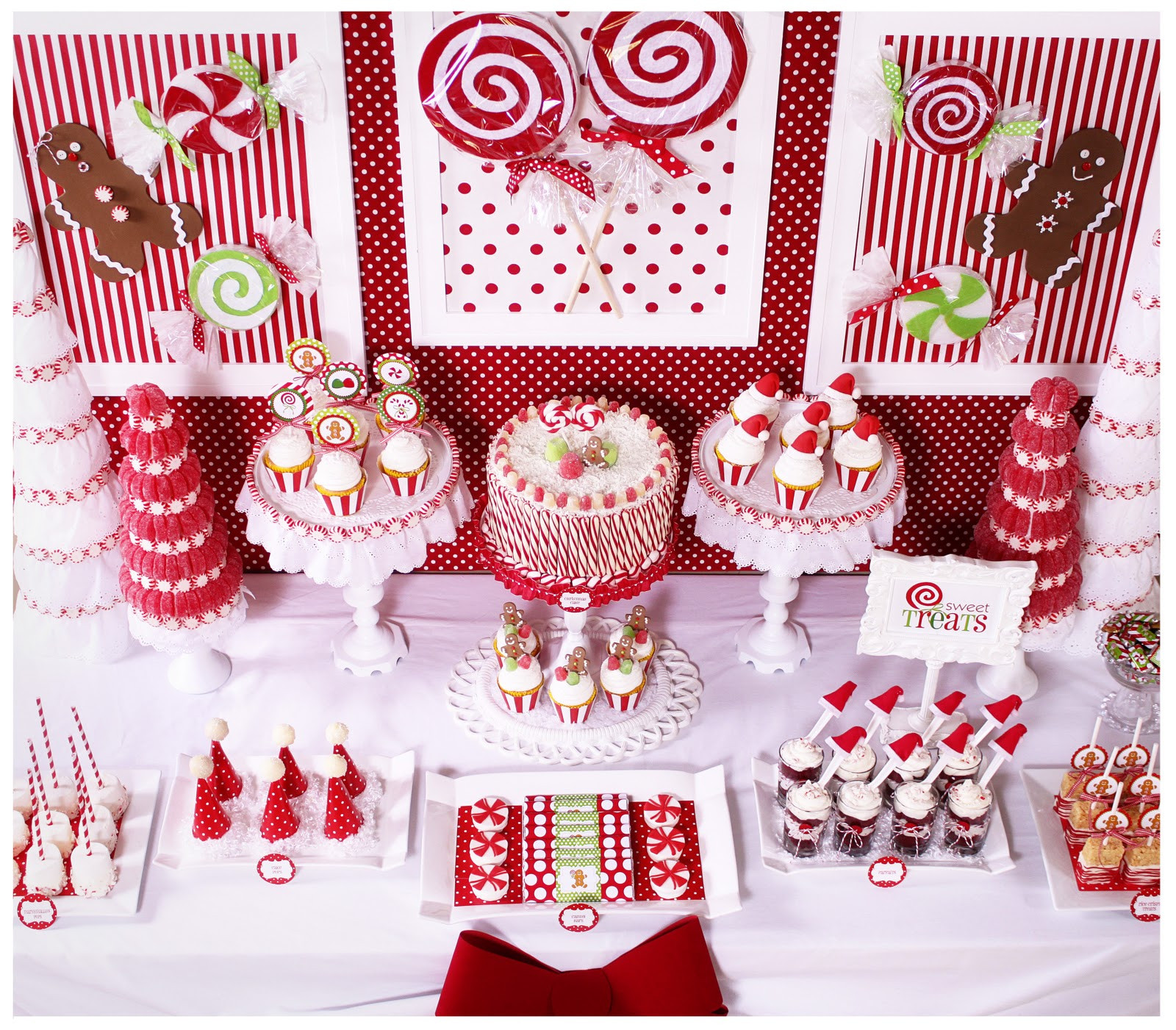 Christmas Holiday Party Ideas  Kara s Party Ideas Candy Land Christmas Party