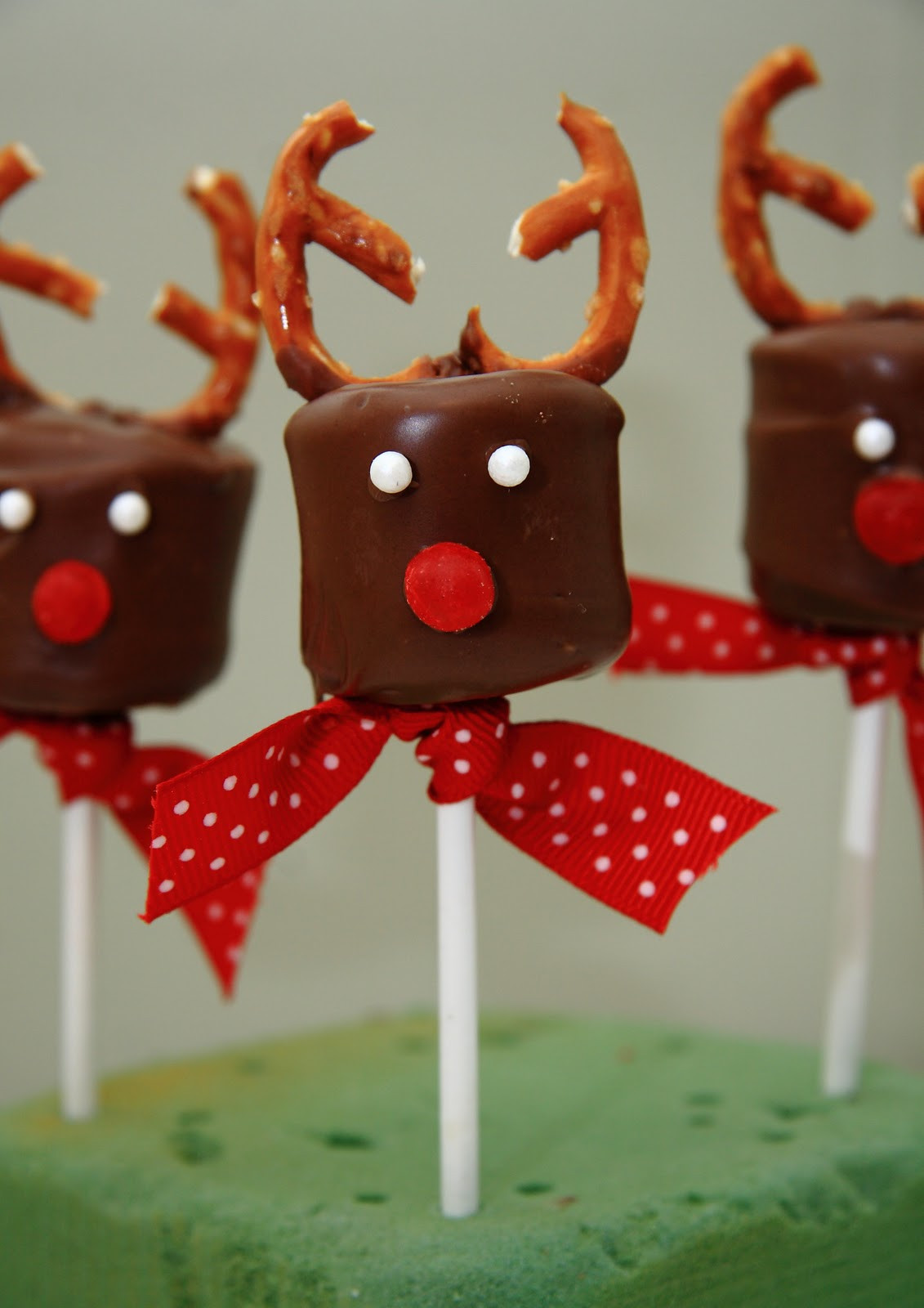 Christmas Party Ideas For Toddler  21 Amazing Christmas Party Ideas for Kids