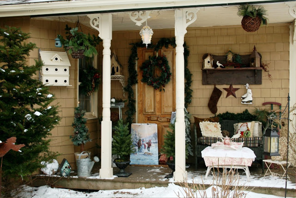 Christmas Porch Decor  Enchanting Frontyard Patio With Sofa And Table Plus