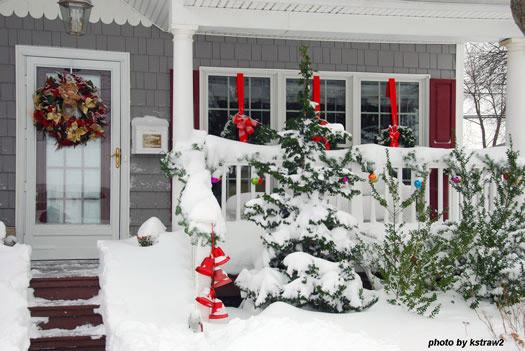 Christmas Porch Decor  Outdoor Christmas Decorating Ideas for an Amazing Porch