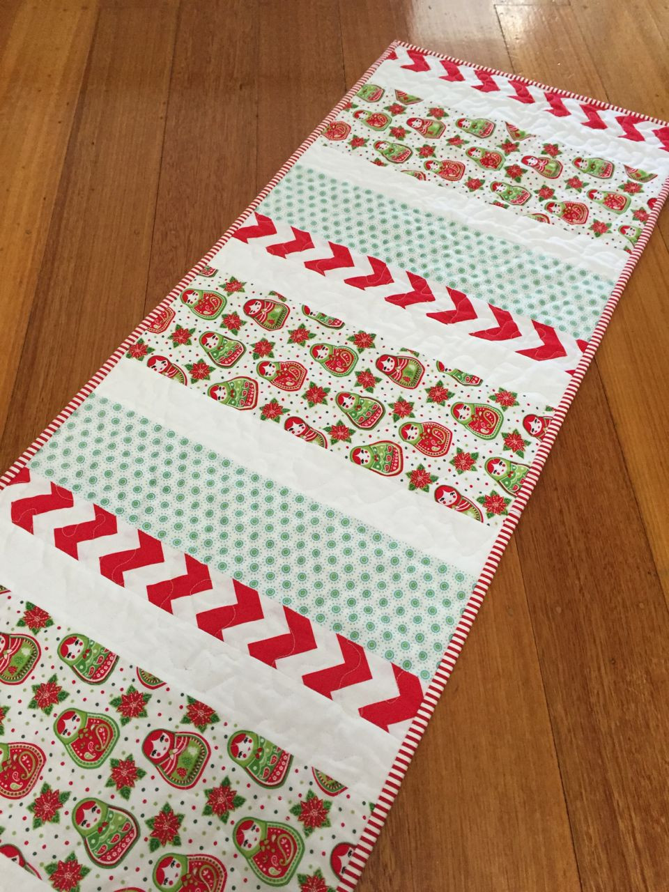 Christmas Table Runner  Candy Stripe Christmas Table Runner Tutorial Sew Delicious