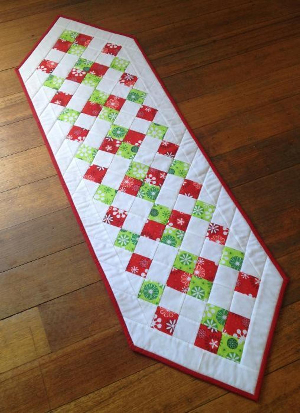 Christmas Table Runner  Easy Christmas Table Runner