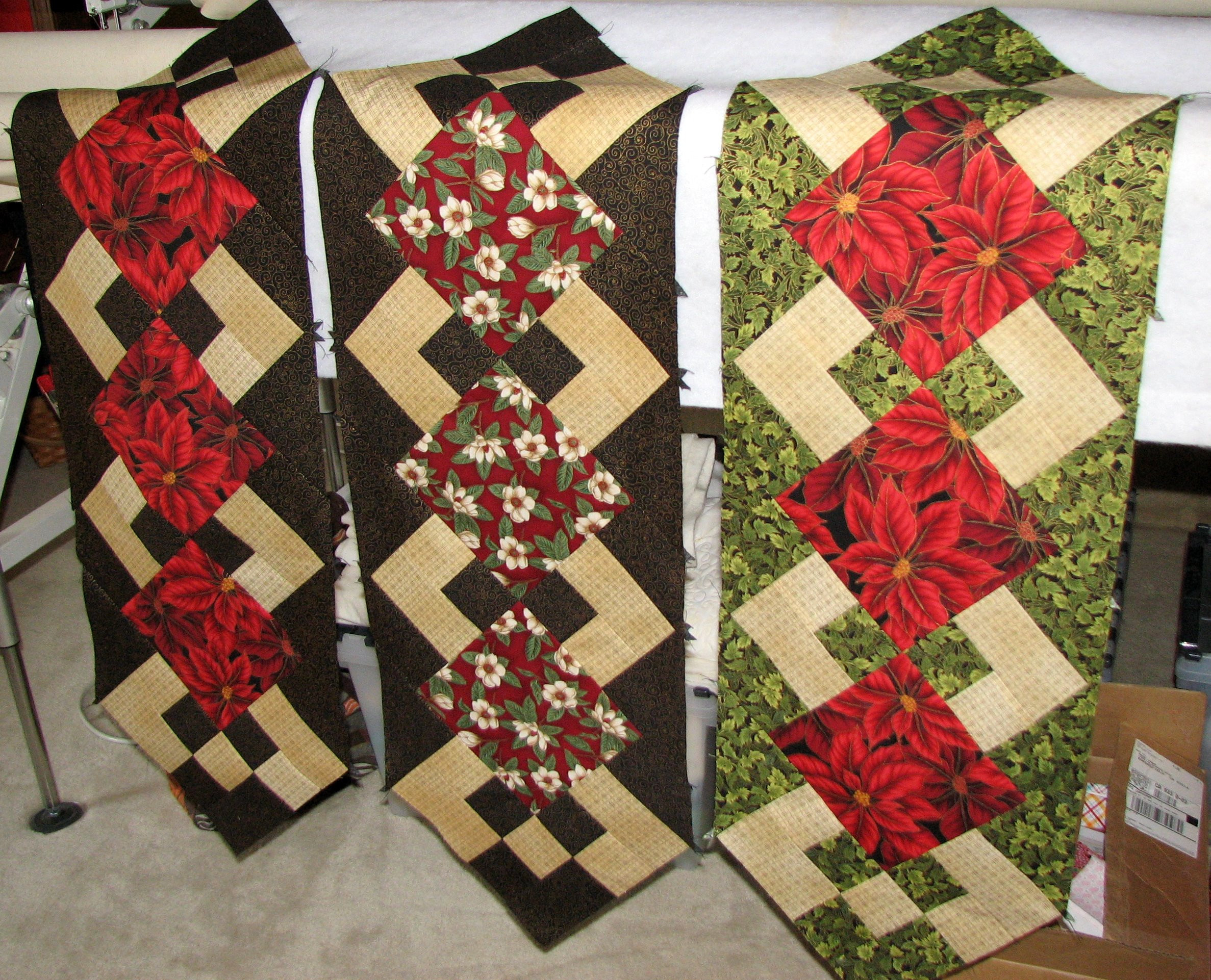 Christmas Table Runner  A Little Piecing Time of My Own