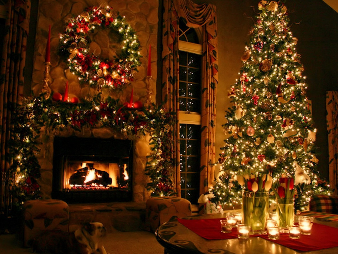 Christmas Tree By Fireplace  A Z Things you need to decorate for Christmas Cosas