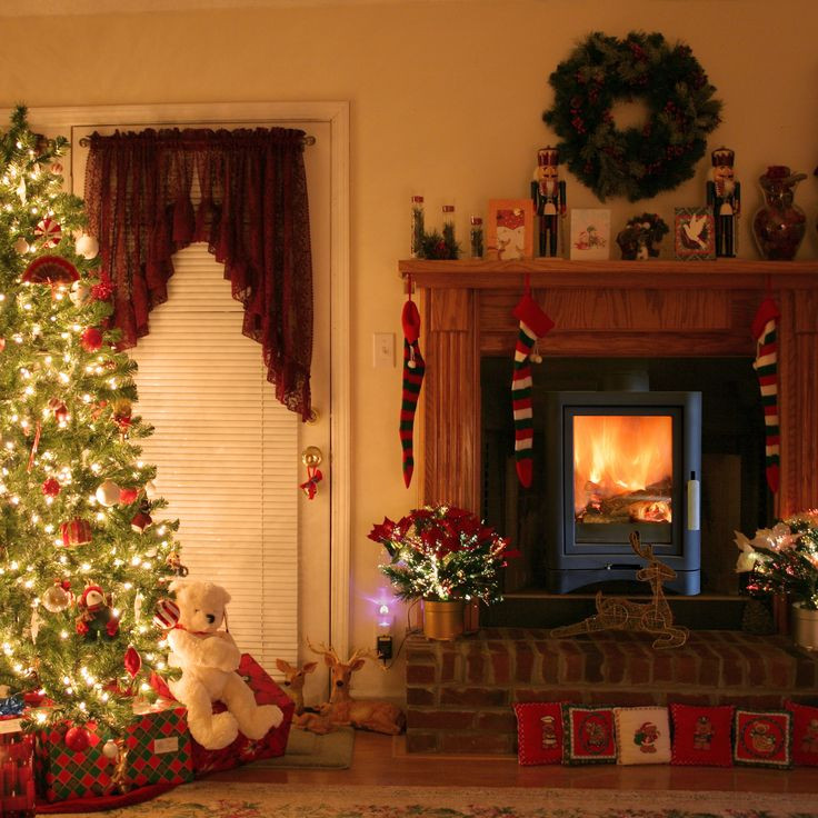 Christmas Tree By Fireplace  10 Best ideas about Christmas Fireplace Decorations on