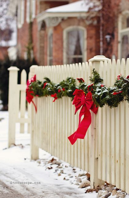 Christmas Tree Fence Indoors  50 Fantastic Outdoor Christmas Decorations for a Sparkling