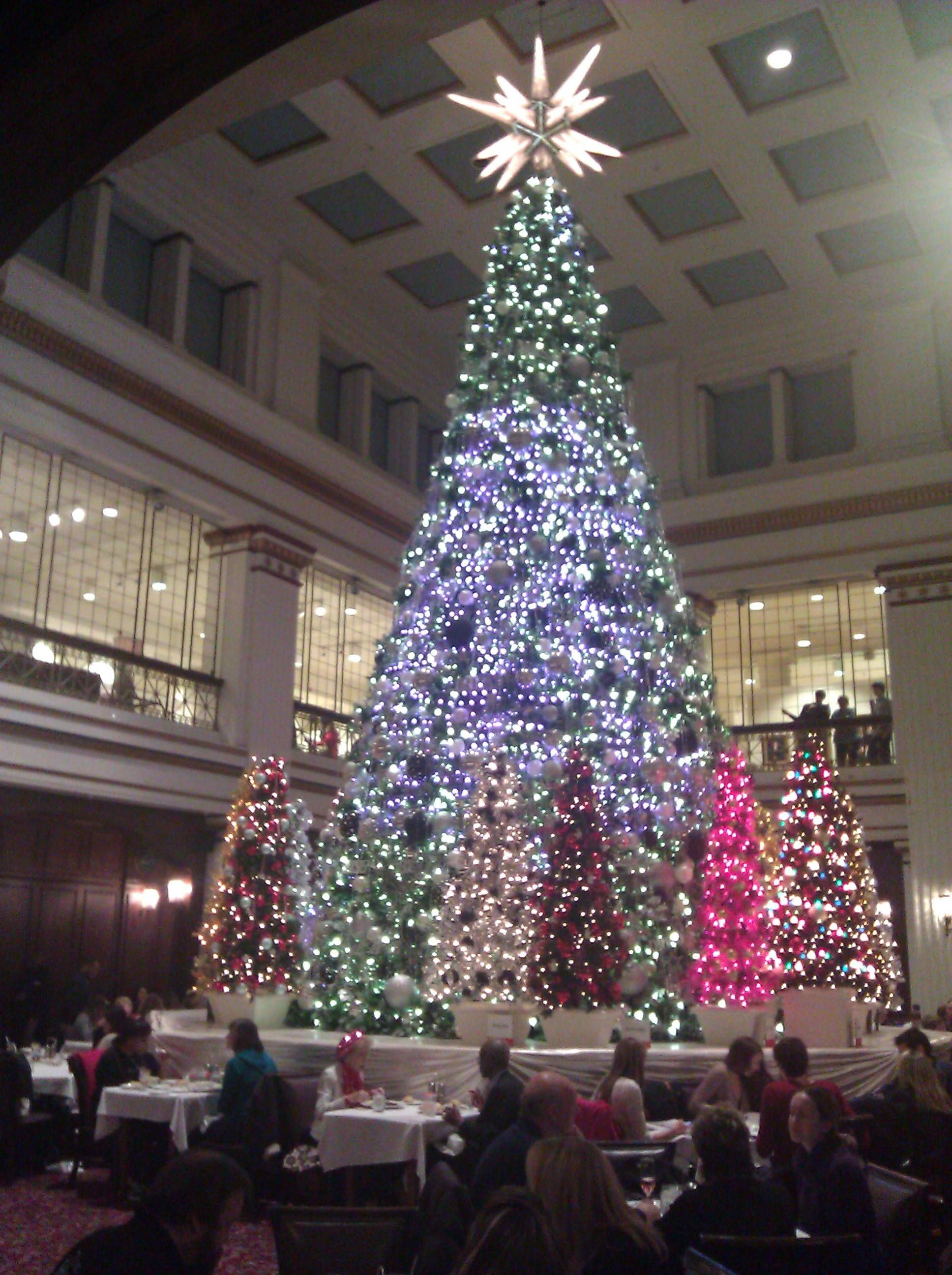 Christmas Tree Lighting Chicago 2019  Imgur Post Imgur Christmas Lights in 2019