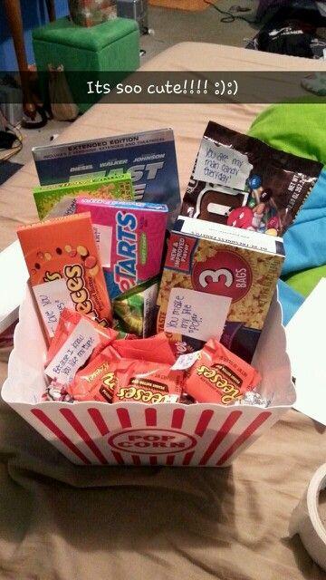 Cute Christmas Gift Ideas For Your Boyfriend  Boyfriend Christmas t idea a t basket full of