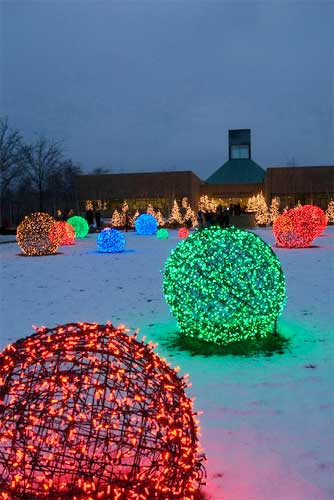 DIY Christmas Light Balls  15 Beautiful Christmas Outdoor Lighting DIY Ideas