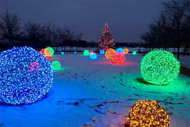 DIY Christmas Light Balls  27 Cheerful DIY Christmas Decoration Ideas You Should Look