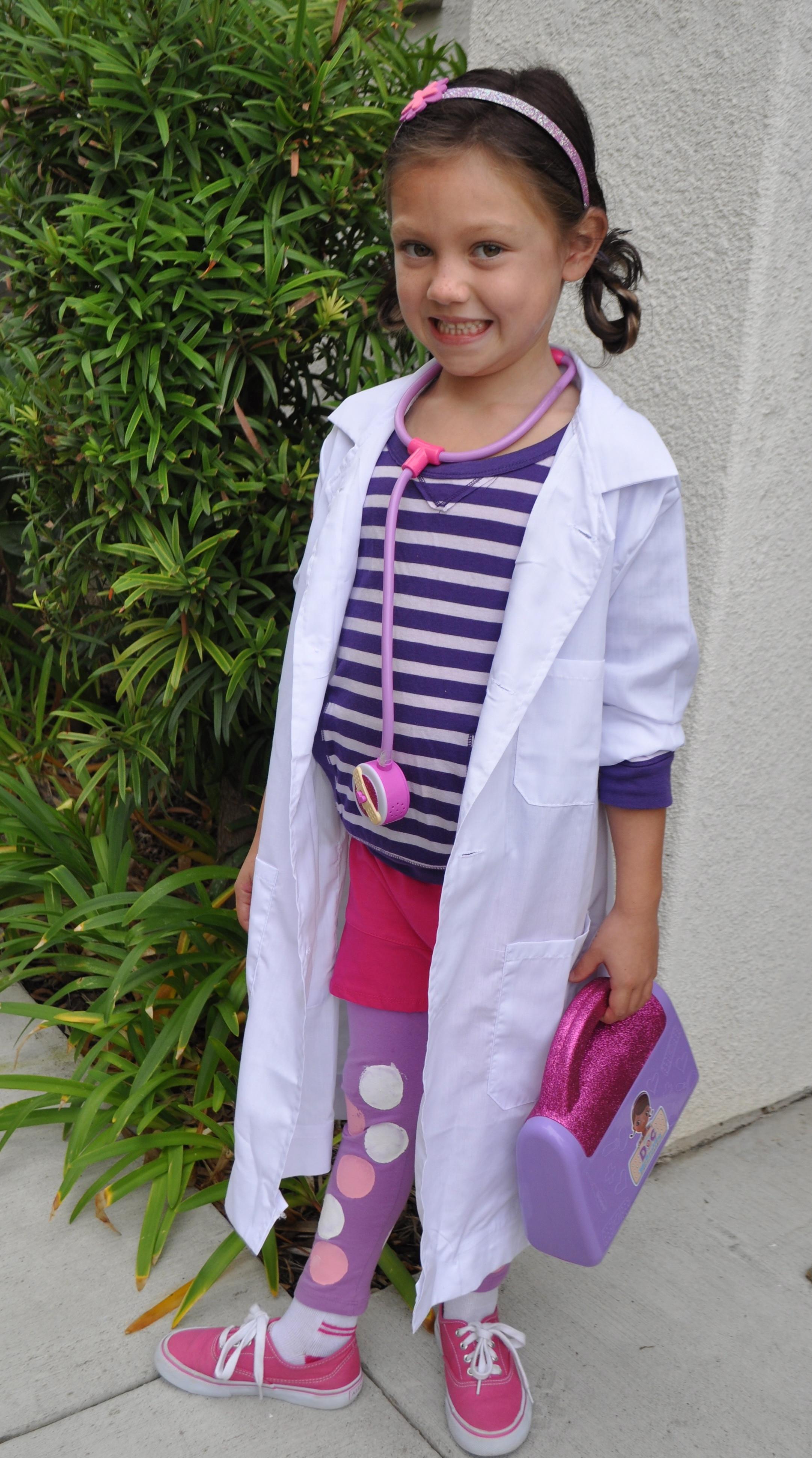 DIY Doc Mcstuffins Costume  25 creative DIY costumes for girls