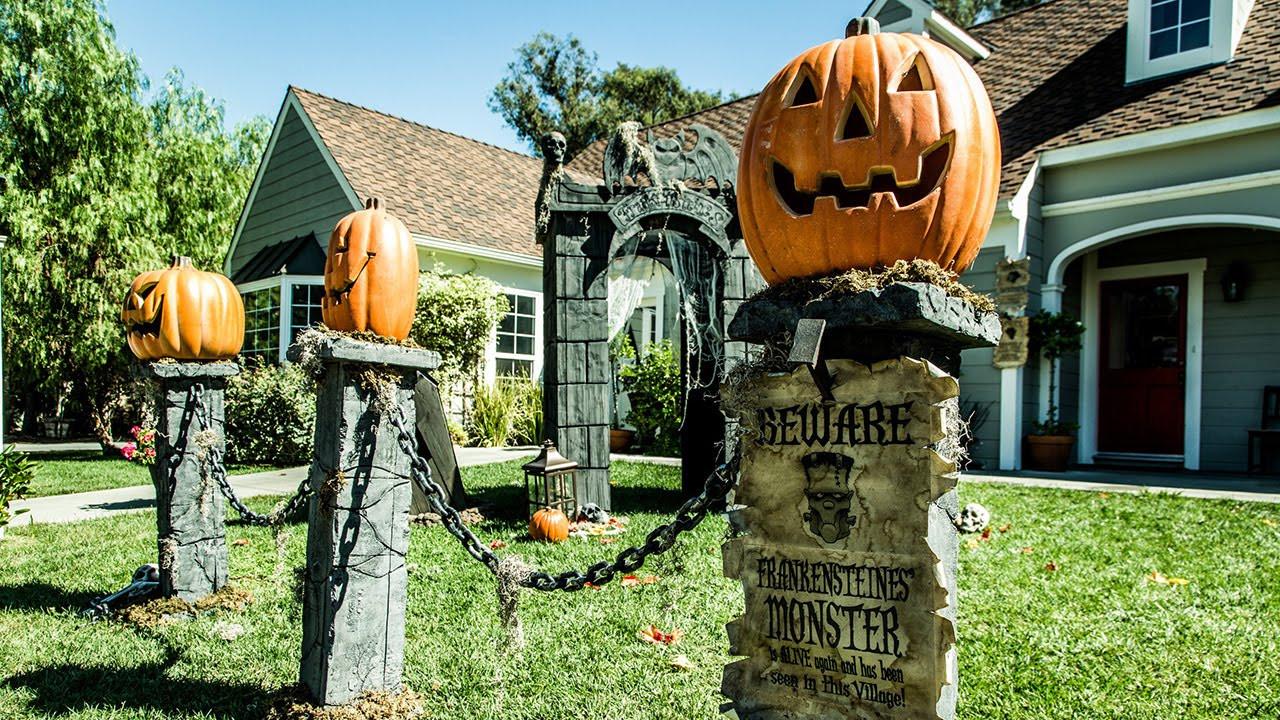 Diy Halloween Fence  Paige Hemmis DIY Pumpkin Fence Pillars