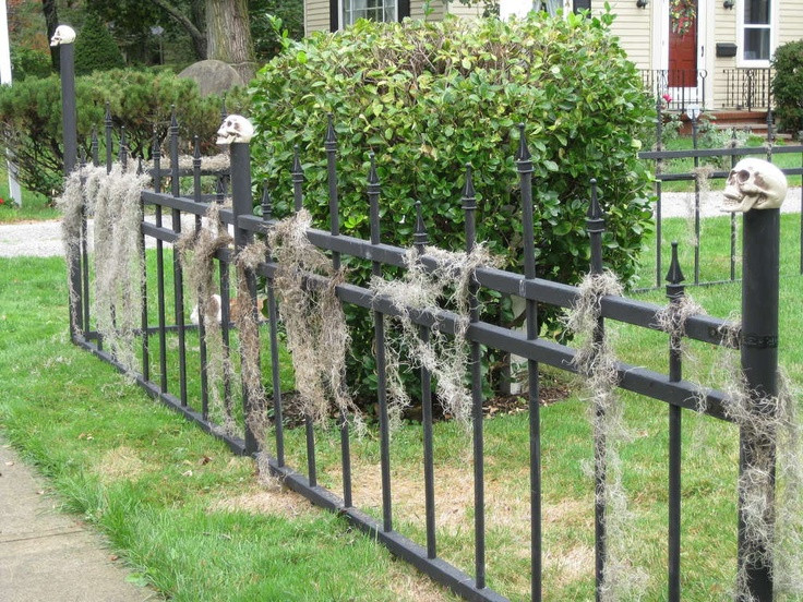 Diy Halloween Fence  58 best Halloween Graveyard Hauntings images on Pinterest