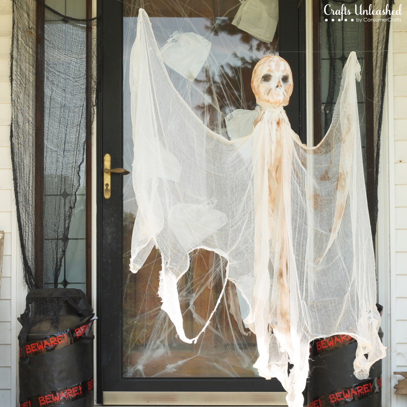 Diy Halloween Porch Decorations  DIY Outdoor Halloween Decorations Hanging Mummy Ghost