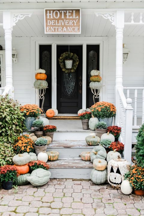 Diy Halloween Porch Decorations  50 Best Outdoor Halloween Decorations Easy Halloween