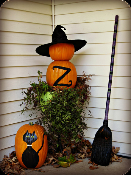Diy Halloween Porch Decorations  Halloween porch and DIY outdoor Halloween decorations