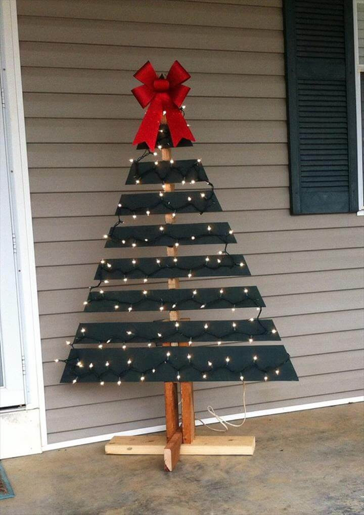 DIY Pallet Christmas Tree  Pallet Tree with Lights