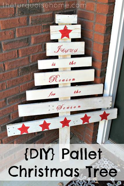 DIY Pallet Christmas Tree  DIY Pallet Christmas Tree Easy last minute Christmas craft