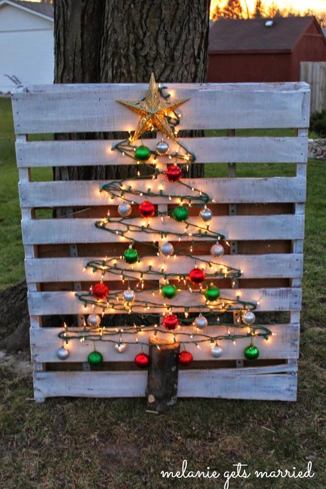 DIY Pallet Christmas Tree  Easy DIY Christmas decor