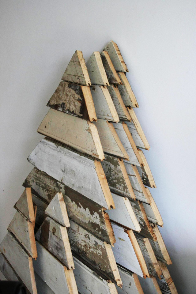 DIY Pallet Christmas Tree  Turn A Wood Pallet Into A Christmas Tree