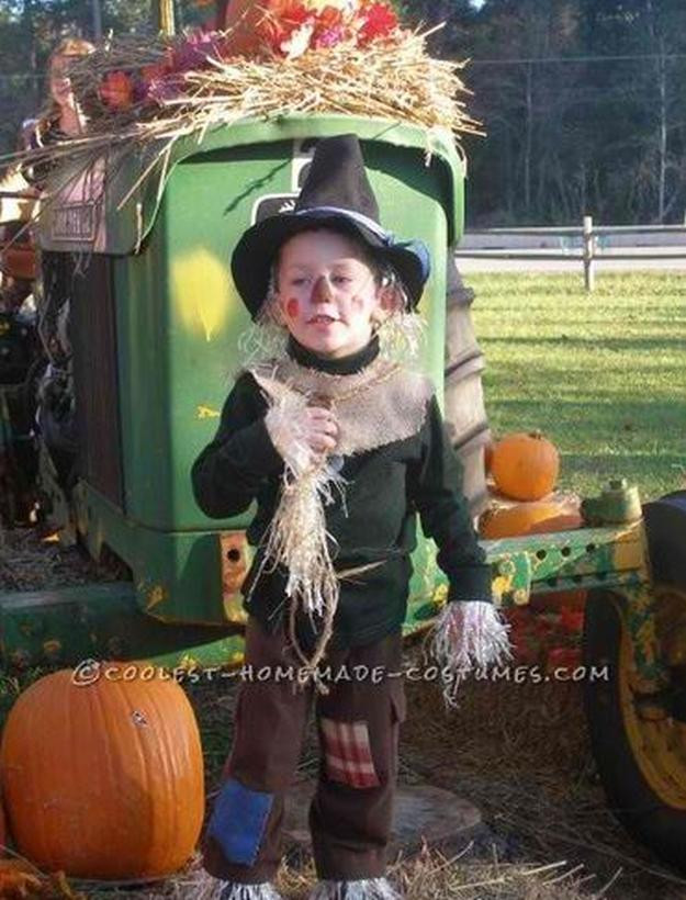 DIY Scarecrow Costume  DIY Scarecrow Costume Ideas From Clever to Creepy