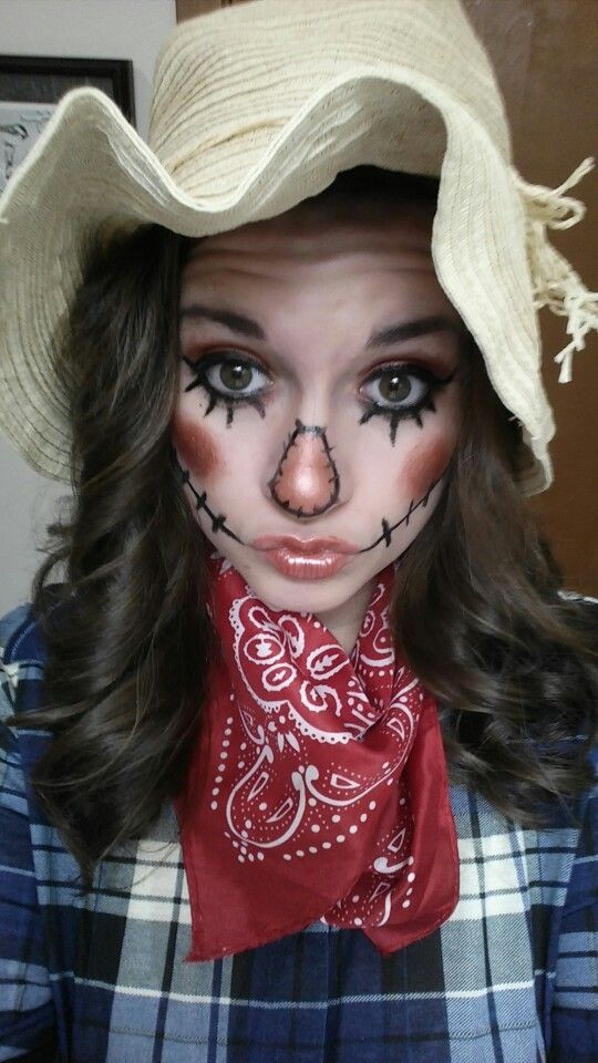 DIY Scarecrow Costume  10 Cute Halloween Costumes That Are Surprisingly Easy