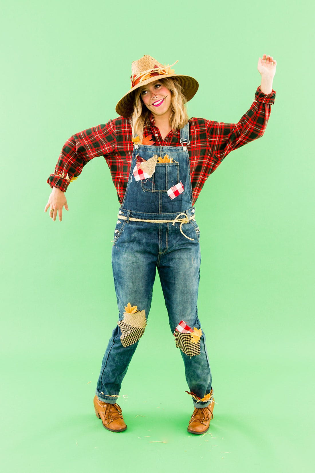 DIY Scarecrow Costume  DIY This Last Minute Scarecrow Costume With Pieces from