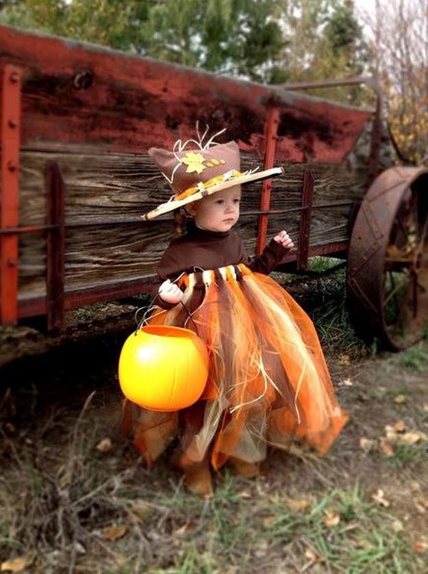 DIY Scarecrow Costume  17 DIY Scarecrow Costume Ideas From Clever to Creepy