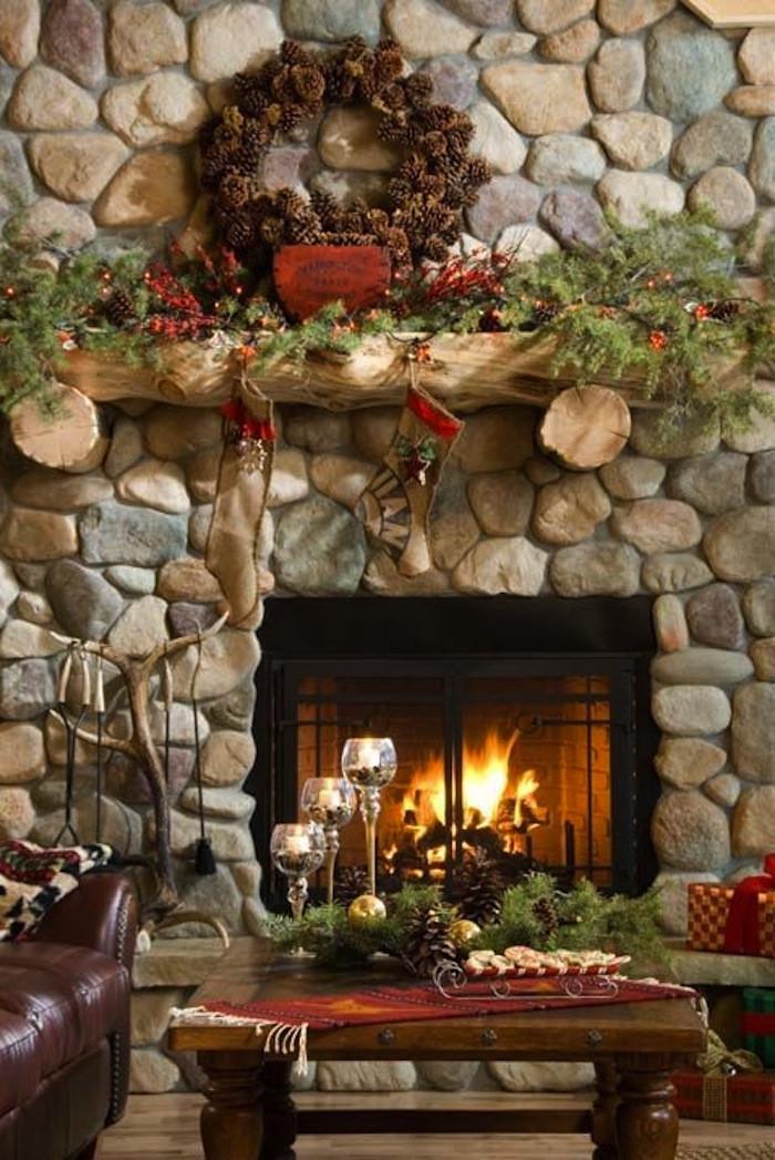 Fireplace Mantel Christmas Ideas  10 Country Christmas Decorating Ideas