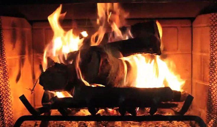 Free Christmas Fireplace Screensaver  17 Best ideas about Fireplace Screensaver on Pinterest