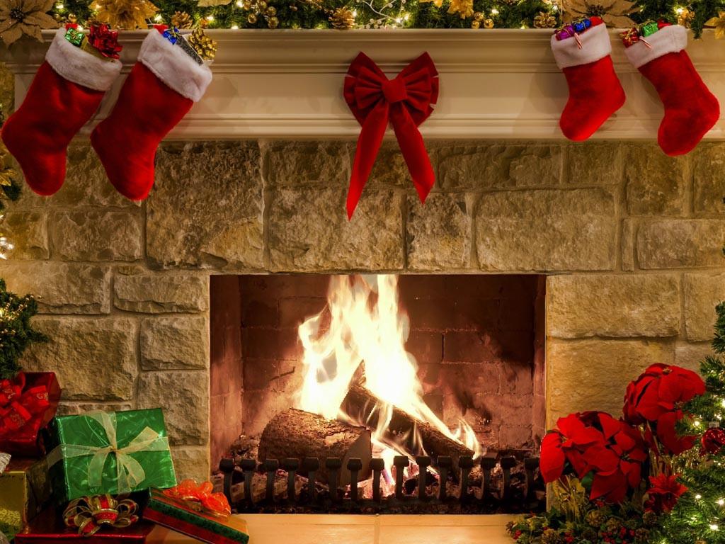 Free Christmas Fireplace Screensaver  New Year Fireplace New Year Screensaver