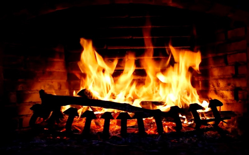 Free Christmas Fireplace Screensaver  Fireplace Screensaver & Wallpaper HD with relaxing