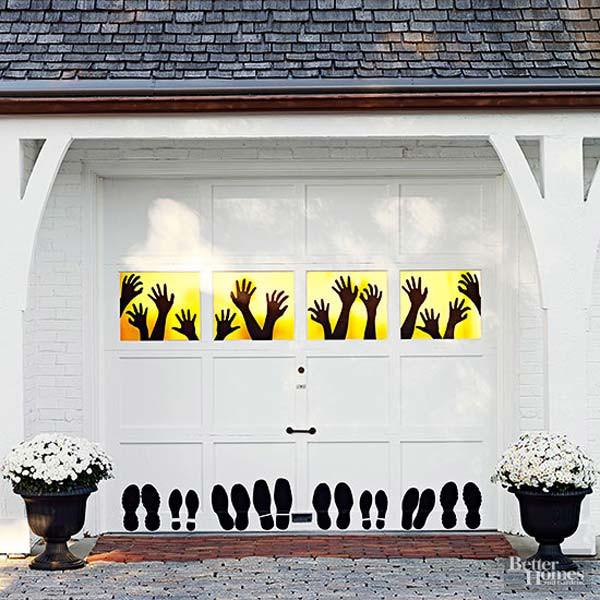 Garage Door Halloween Decoration  42 Last Minute Cheap DIY Halloween Decorations You Can