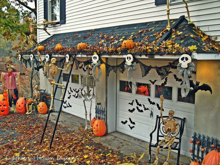 Garage Halloween Decorations  25 best ideas about Halloween Garage Door on Pinterest