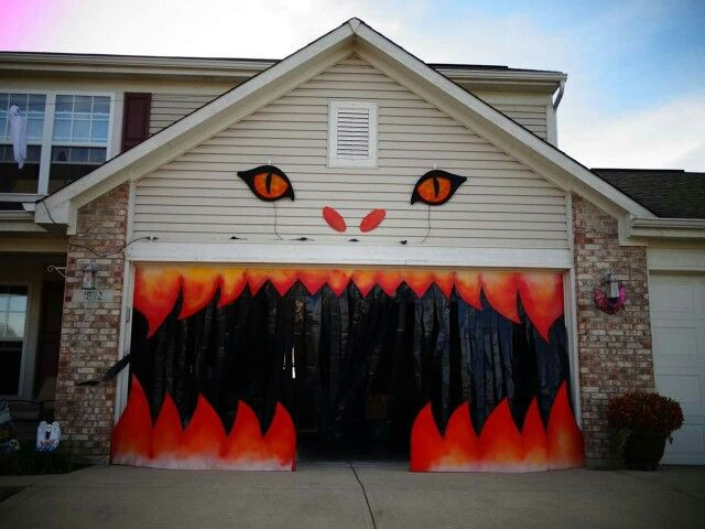 Garage Halloween Decorations  Best 25 Halloween garage ideas on Pinterest