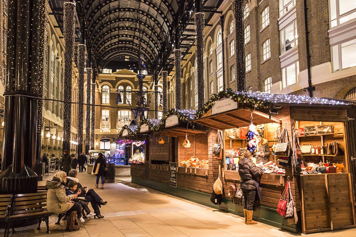 Great Bridge Christmas Parade  London s Best Christmas Markets