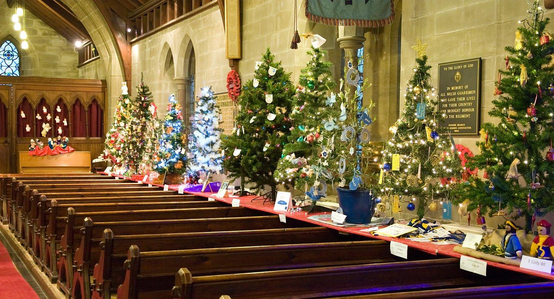 Great Bridge Christmas Parade  Churches throw open their doors for Christmas tree