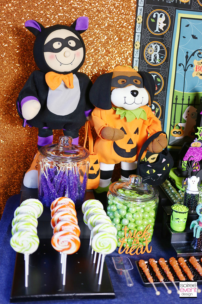 Halloween Candy Table  How to Setup a Trick or Treat Halloween Candy Table