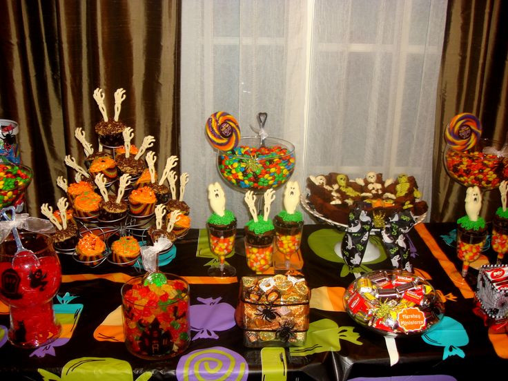 Halloween Candy Table  News Halloween In gallery CrazyScaryGames
