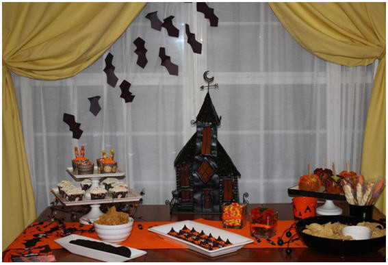Halloween Candy Table  Halloween Candy Table