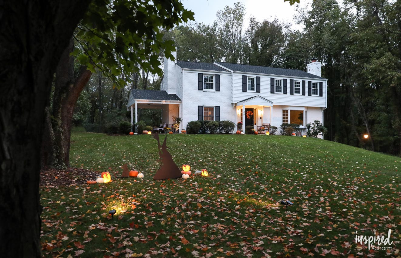 Halloween Decor Outdoor  Outdoor Halloween Decorations and My Porch at Night